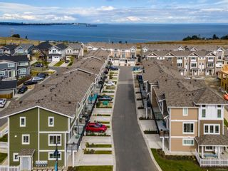 Photo 2: 117 3501 Dunlin St in : Co Royal Bay Row/Townhouse for sale (Colwood)  : MLS®# 888023