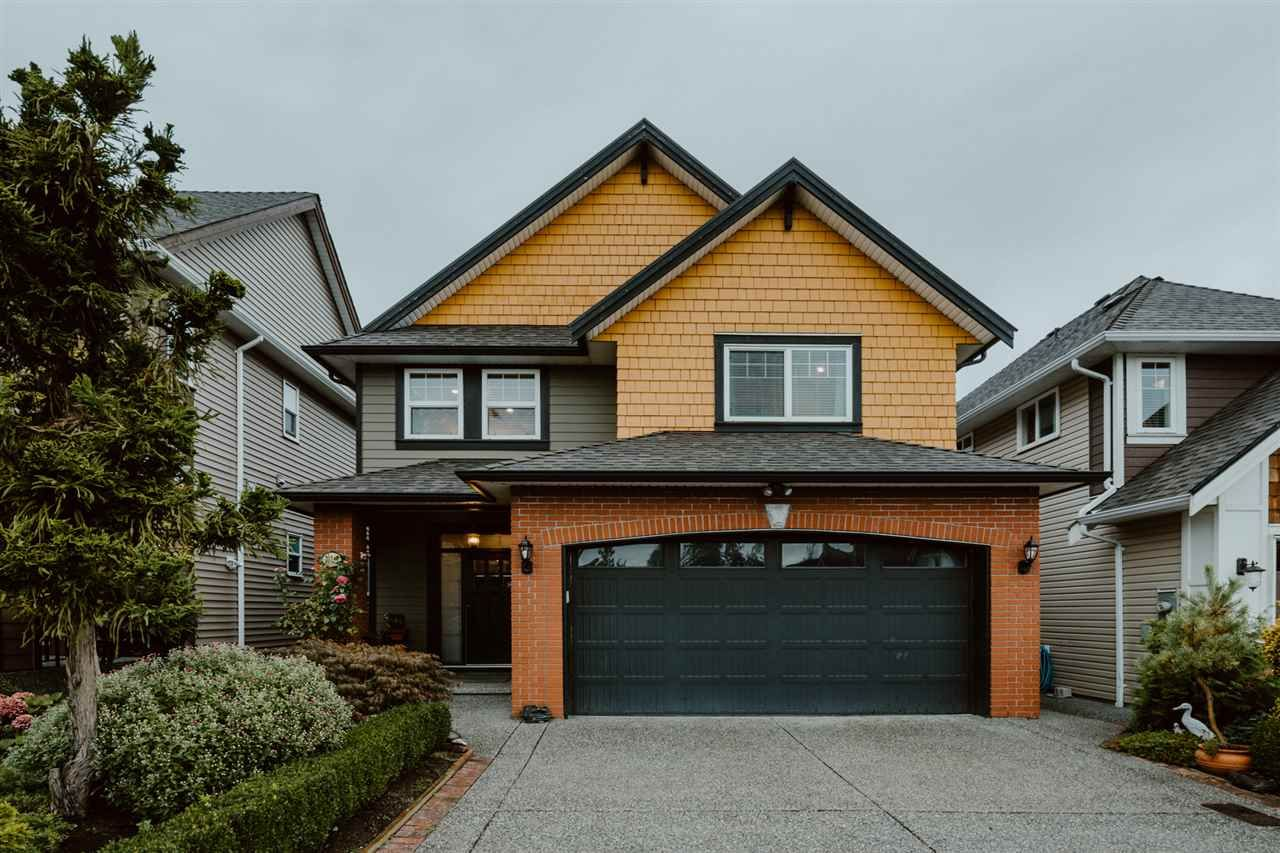 Main Photo: 21147 77A AVENUE in Langley: Willoughby Heights House for sale : MLS®# R2405977