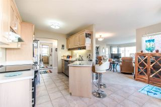 "Photo 13: 502 1225 MERKLIN Street: White Rock Condo for sale in ""Englesea"" (South Surrey White Rock)  : MLS®# R2418841"