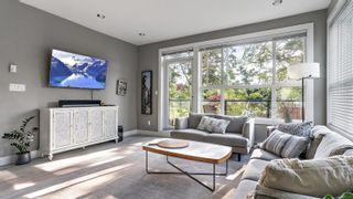 Photo 4: 205 1460 Pandora Ave in : Vi Fernwood Condo for sale (Victoria)  : MLS®# 875736