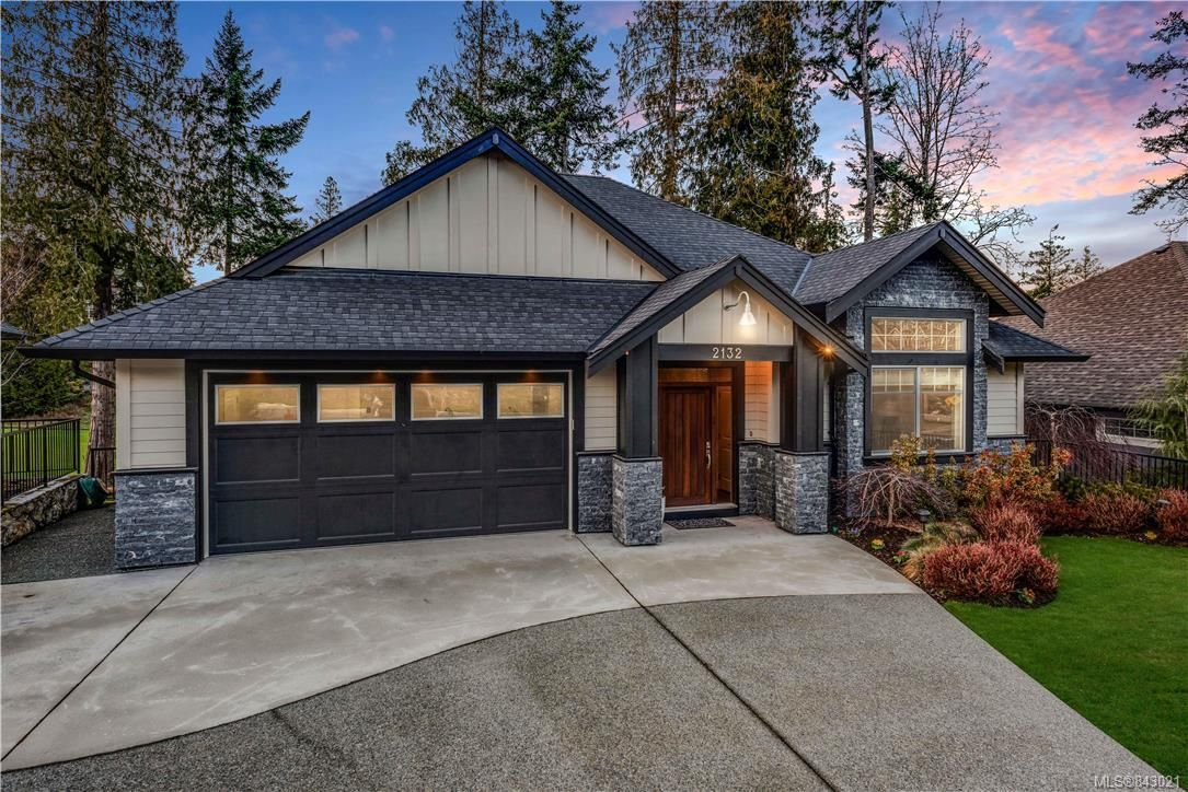 Main Photo: 2132 Champions Way in Langford: La Bear Mountain House for sale : MLS®# 843021