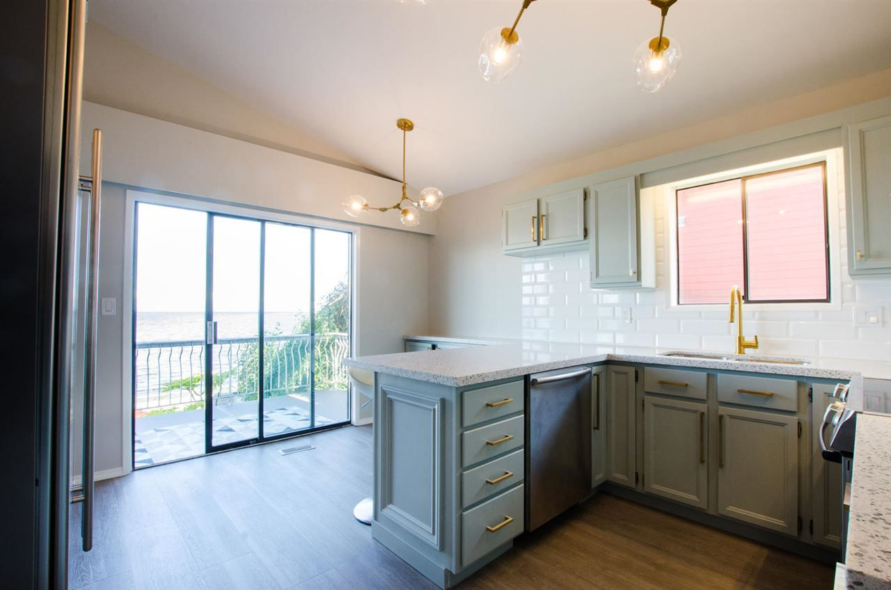 """Photo 13: Photos: 1434 BEACH GROVE Road in Delta: Beach Grove House for sale in """"BEACH GROVE WATERFRONT"""" (Tsawwassen)  : MLS®# R2460346"""