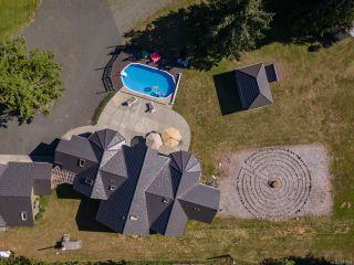 Photo 2: 5584 Prendergast Rd in COURTENAY: CV Courtenay West House for sale (Comox Valley)  : MLS®# 837501