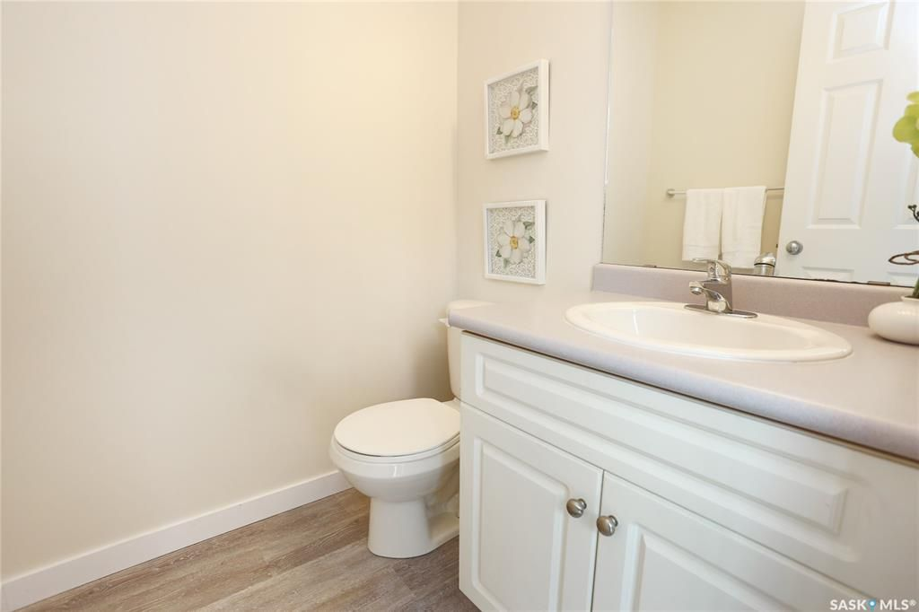 Photo 15: Photos: 131B 113th Street West in Saskatoon: Sutherland Residential for sale : MLS®# SK778904