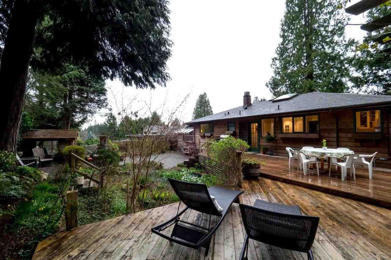 Photo 17: Photos: 3322 WAYNE Drive in North Vancouver: Delbrook House for sale : MLS®# R2045446