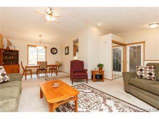Photo 4: 101 7570 Tetayut Rd in SAANICHTON: CS Hawthorne Manufactured Home for sale (Central Saanich)  : MLS®# 714822