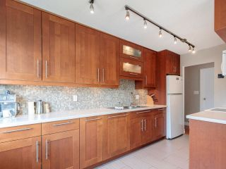 """Photo 17: 207 270 W 1ST Street in North Vancouver: Lower Lonsdale Condo for sale in """"Dorest Manor"""" : MLS®# R2625084"""