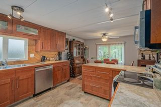 """Photo 9: 1 6280 KING GEORGE Boulevard in Surrey: Sullivan Station Manufactured Home for sale in """"White Oak Park"""" : MLS®# R2608033"""