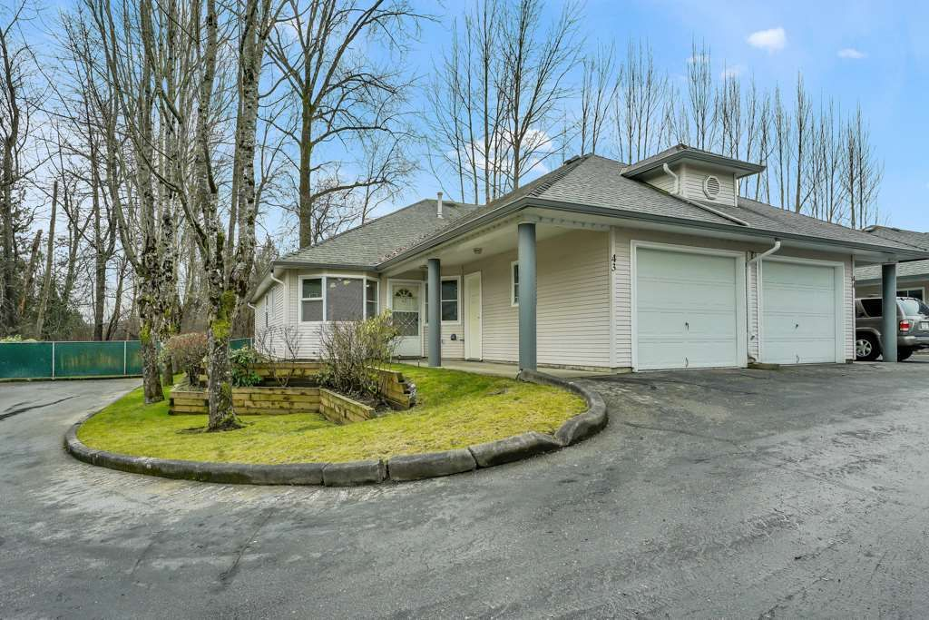 """Main Photo: 43 9088 HOLT Road in Surrey: Queen Mary Park Surrey Townhouse for sale in """"Ashley Grove"""" : MLS®# R2530812"""
