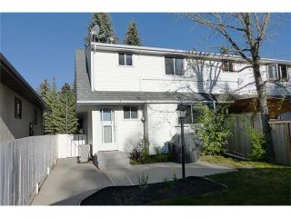 Photo 2: 11209 11 Street SW in Calgary: Southwood House for sale : MLS®# C4062440