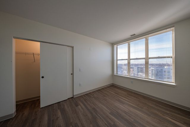 Photo 2: Photos: 2031 Milwaukee Avenue Unit 603 in Chicago: CHI - Logan Square Residential Lease for lease ()  : MLS®# MRD10985908