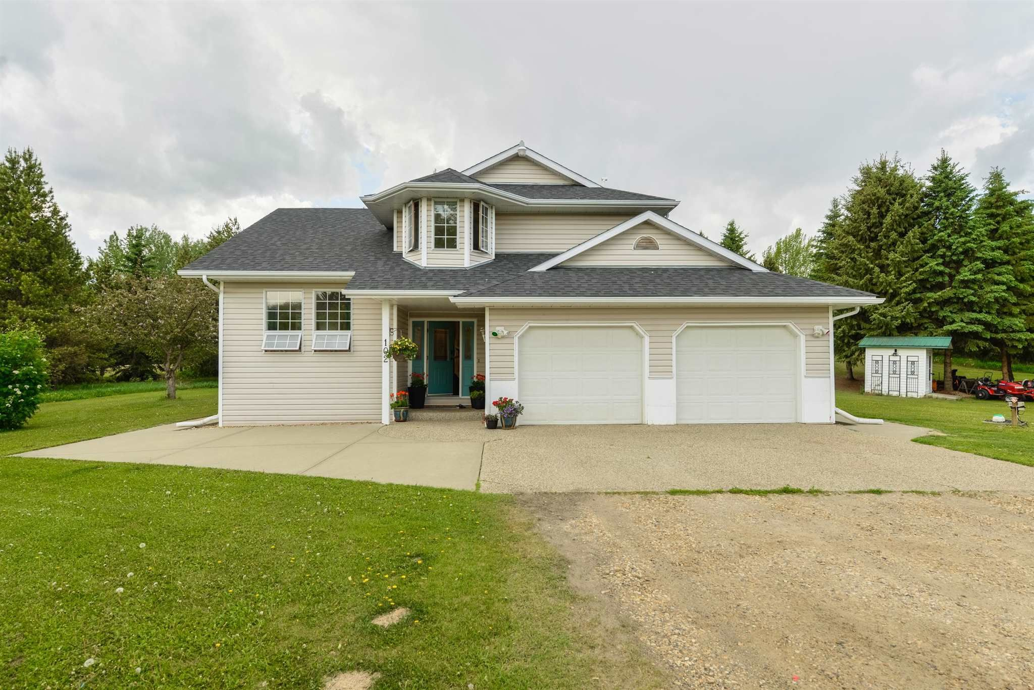Main Photo: 102 52222 RGE RD 274: Rural Parkland County House for sale : MLS®# E4247964