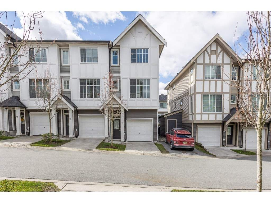 """Photo 2: Photos: 98 30989 WESTRIDGE Place in Abbotsford: Abbotsford West Townhouse for sale in """"Brighton at Westerleigh"""" : MLS®# R2562757"""