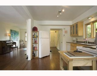 Photo 6: 2009 E 3RD Avenue in Vancouver: Grandview VE House for sale (Vancouver East)  : MLS®# V781782