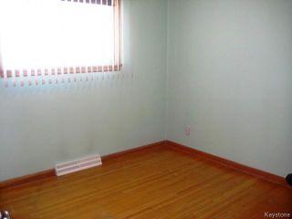 Photo 9: 921 Prince Rupert Avenue in WINNIPEG: East Kildonan Residential for sale (North East Winnipeg)  : MLS®# 1502740