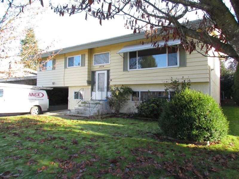 Main Photo: 2034 MEADOWS Street in Abbotsford: Abbotsford West House for sale : MLS®# R2151414