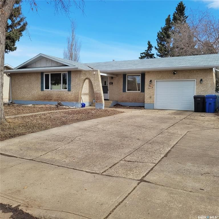 Main Photo: 2012 95th Street in North Battleford: Residential for sale : MLS®# SK847519