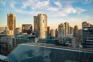 "Photo 11: 1301 989 NELSON Street in Vancouver: Downtown VW Condo for sale in ""THE ELECTRA"" (Vancouver West)  : MLS®# R2460335"