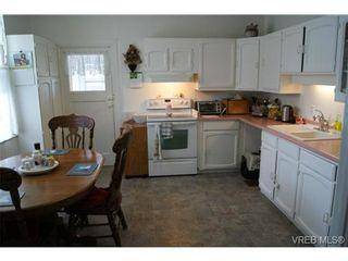Photo 10: 812 Wollaston St in VICTORIA: Es Old Esquimalt House for sale (Esquimalt)  : MLS®# 702085