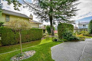 """Photo 15: 17 9971 151 Street in Surrey: Guildford Townhouse for sale in """"Spencer's Gate"""" (North Surrey)  : MLS®# R2111664"""