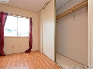 Photo 10: 61 1555 Middle Rd in VICTORIA: VR Glentana Manufactured Home for sale (View Royal)  : MLS®# 756727