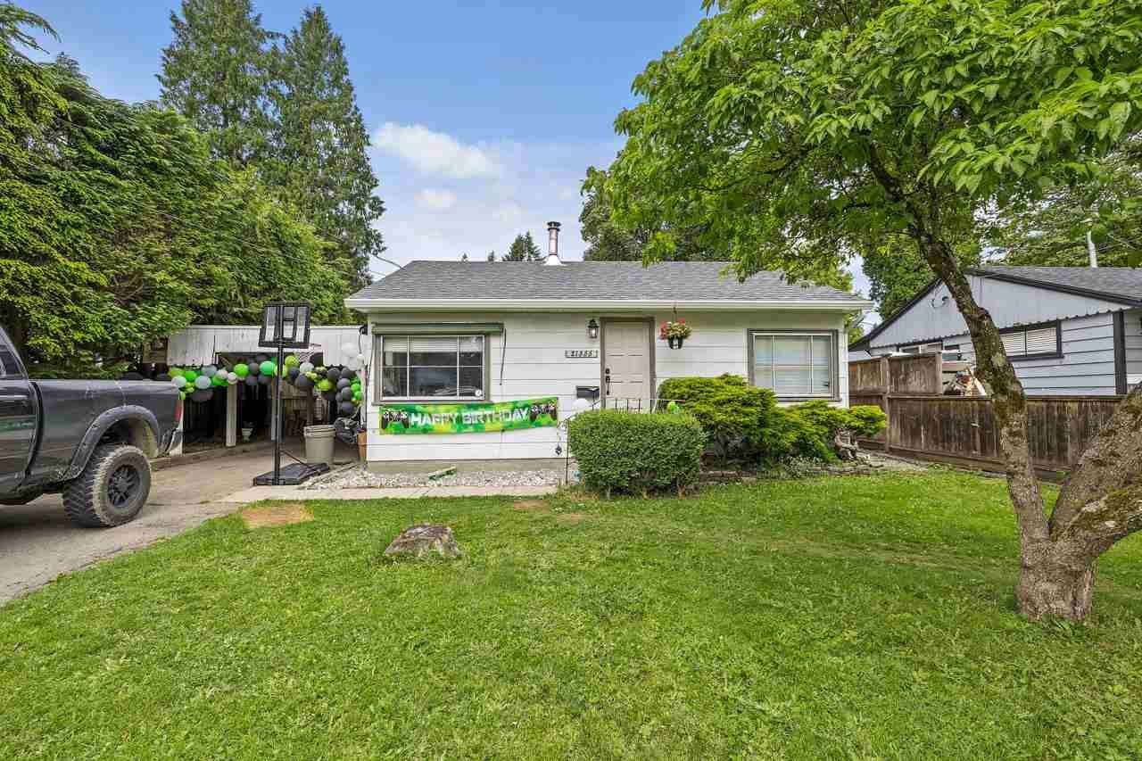 Main Photo: 21555 121 Avenue in Maple Ridge: West Central House for sale : MLS®# R2587930