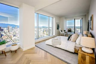 "Photo 11: 5203 1480 HOWE Street in Vancouver: Yaletown Condo for sale in ""VANCOUVER HOUSE"" (Vancouver West)  : MLS®# R2528347"