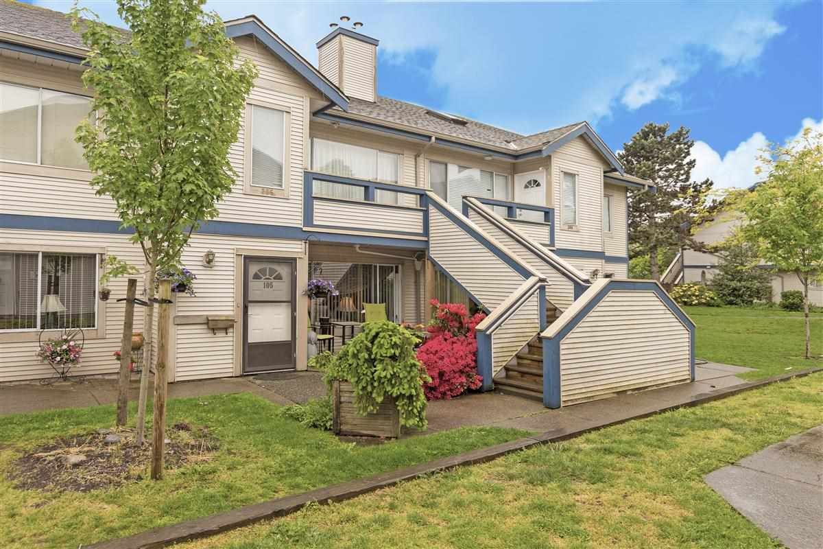 "Main Photo: 105 7837 120A Street in Surrey: West Newton Townhouse for sale in ""Berkshyre Gardens"" : MLS®# R2371000"