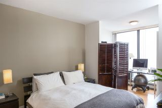 """Photo 3: 1804 151 W 2ND Street in North Vancouver: Lower Lonsdale Condo for sale in """"SKY"""" : MLS®# R2030955"""