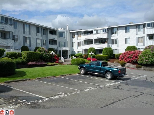 """Main Photo: 202 32950 AMICUS Place in Abbotsford: Central Abbotsford Condo for sale in """"The Haven"""" : MLS®# F1321625"""
