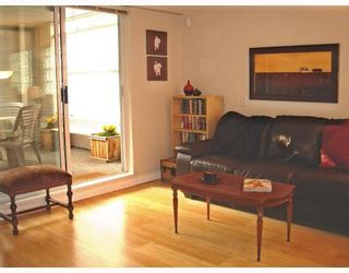 """Photo 3: 107 1465 COMOX Street in Vancouver: West End VW Condo for sale in """"BRIGHTON COURT"""" (Vancouver West)  : MLS®# V655109"""