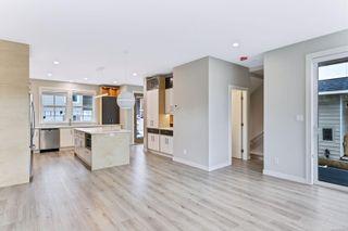 Photo 7: 4 3103 Washington Ave in : Vi Burnside House for sale (Victoria)  : MLS®# 870331
