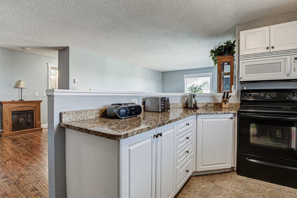 Photo 13: Photos: 414 6000 Somervale Court SW in Calgary: Somerset Apartment for sale : MLS®# A1126946