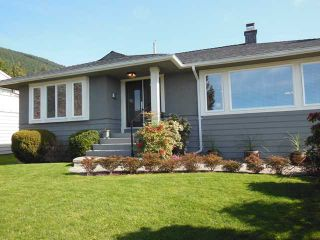 """Photo 1: 4484 CANTERBURY Crescent in North Vancouver: Forest Hills NV House for sale in """"FOREST HILLS"""" : MLS®# V1110439"""