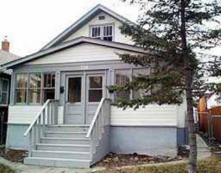 Main Photo: 566 Boyd Ave: Condominium for sale (North End)  : MLS®# 2304471