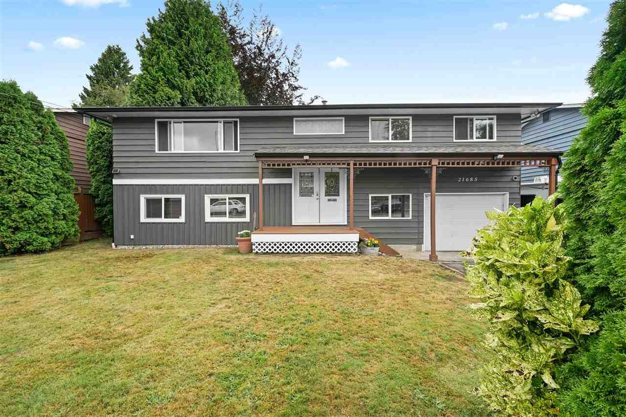 "Main Photo: 21685 123 Avenue in Maple Ridge: West Central House for sale in ""WEST MAPLE RIDGE"" : MLS®# R2485296"