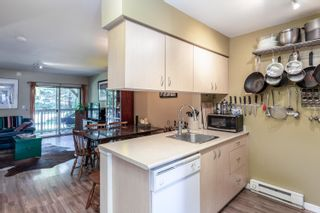 """Photo 6: 28 2720 CHEAKAMUS Way in Whistler: Bayshores Townhouse for sale in """"EAGLECREST"""" : MLS®# R2617757"""