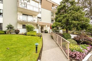 Photo 2: 101 2125 Oak Bay Ave in Oak Bay: OB South Oak Bay Condo for sale : MLS®# 837058