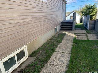Photo 2: 926 Lillooet Street West in Moose Jaw: Westmount/Elsom Residential for sale : MLS®# SK871383