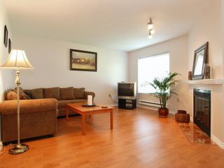 Photo 4: 5 12915 16 Avenue in Surrey: Crescent Bch Ocean Pk. Townhouse for sale (South Surrey White Rock)  : MLS®# F2815551