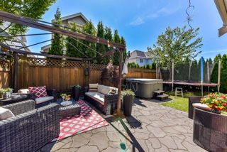 """Photo 19: 17908 71A Avenue in Surrey: Cloverdale BC House for sale in """"Provincton"""" (Cloverdale)  : MLS®# R2374811"""