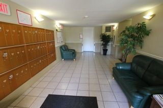 """Photo 5: 404 509 CARNARVON Street in New Westminster: Downtown NW Condo for sale in """"HILLSIDE PLACE"""" : MLS®# R2226244"""