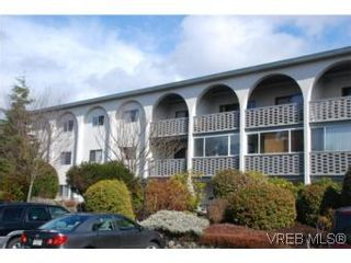 Photo 2: 304A 2040 White Birch Rd in SIDNEY: Si Sidney North-East Condo for sale (Sidney)  : MLS®# 497201