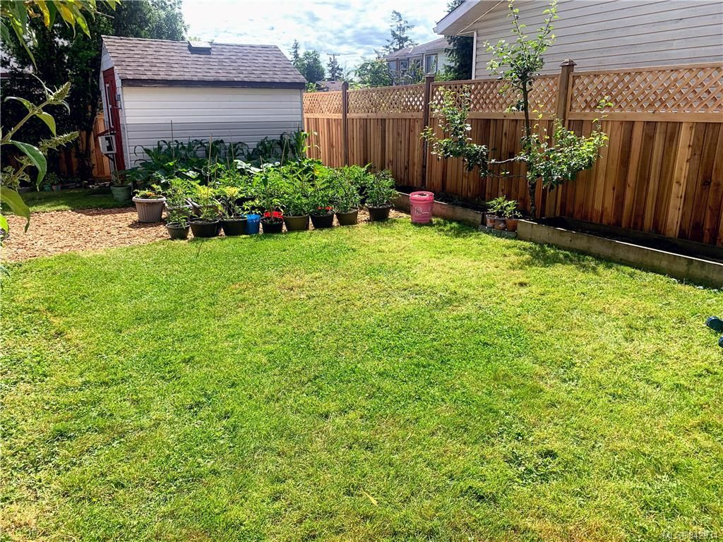 Photo 22: Photos: 2147 Weiler Ave in Sidney: Si Sidney South-West Half Duplex for sale : MLS®# 842931