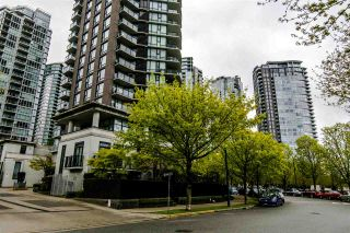 """Photo 2: 2103 583 BEACH Crescent in Vancouver: Yaletown Condo for sale in """"PARK WEST TWO"""" (Vancouver West)  : MLS®# R2361220"""