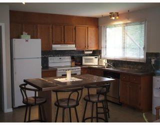 Photo 2: 55 PETERBORO Bay in WINNIPEG: Windsor Park / Southdale / Island Lakes Residential for sale (South East Winnipeg)  : MLS®# 2817067