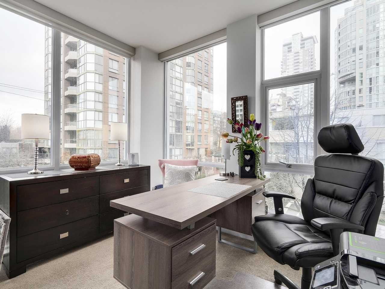 Photo 14: Photos: 401 1455 HOWE STREET in Vancouver: Yaletown Condo for sale (Vancouver West)  : MLS®# R2145939