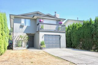 Photo 3: 1820 Keys Place in Abbotsford: Central Abbotsford House for sale : MLS®# R2606197