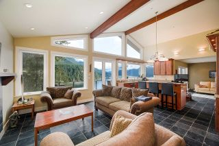 Photo 4: 4688 EASTRIDGE Road in North Vancouver: Deep Cove House for sale : MLS®# R2565563