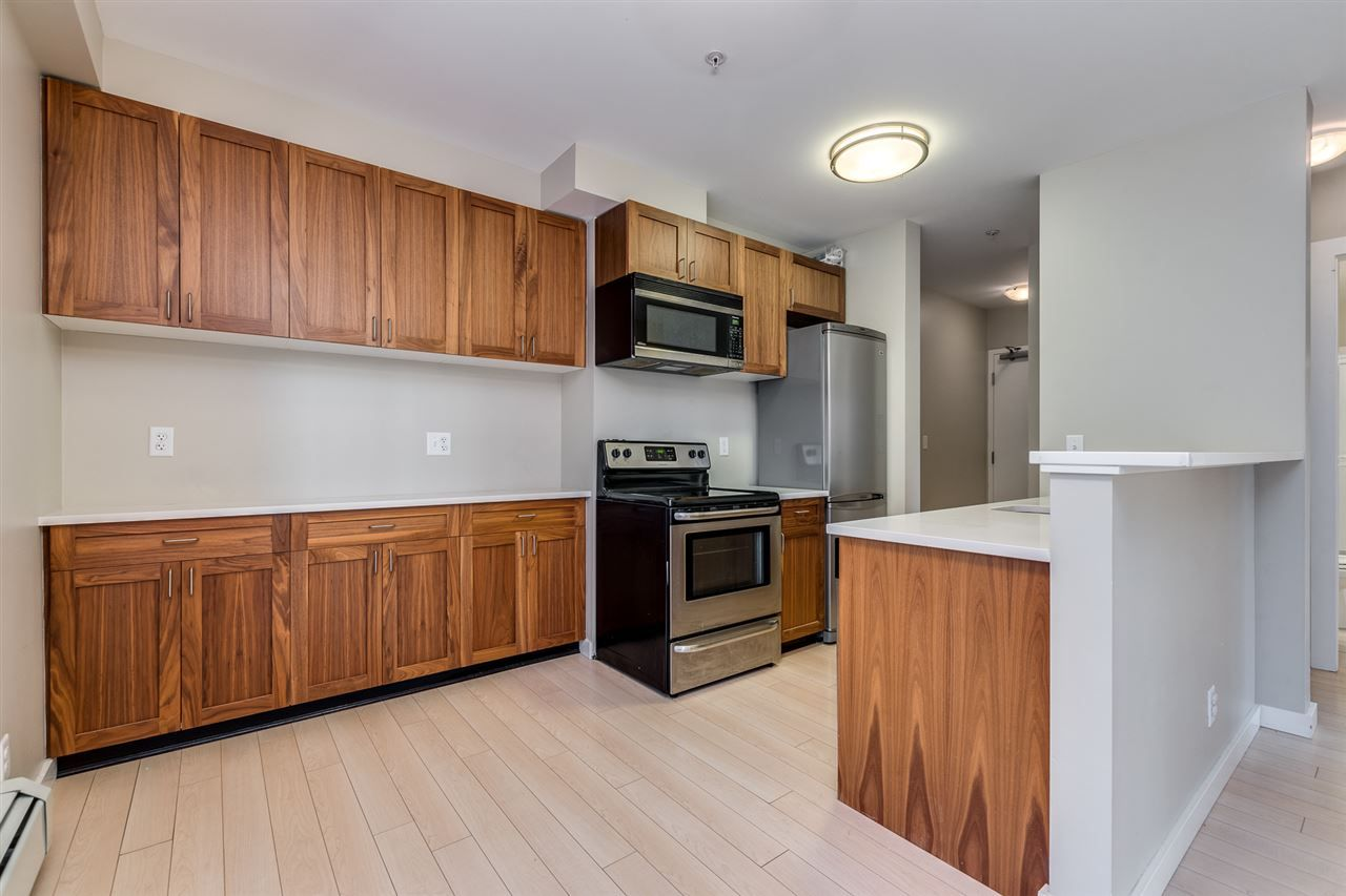 "Main Photo: 114 1033 ST. GEORGES Avenue in North Vancouver: Central Lonsdale Condo for sale in ""Villa St. Geroges"" : MLS®# R2522765"